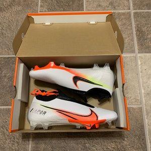 Nike Vapor Edge Pro 360 Premium Football Cleat